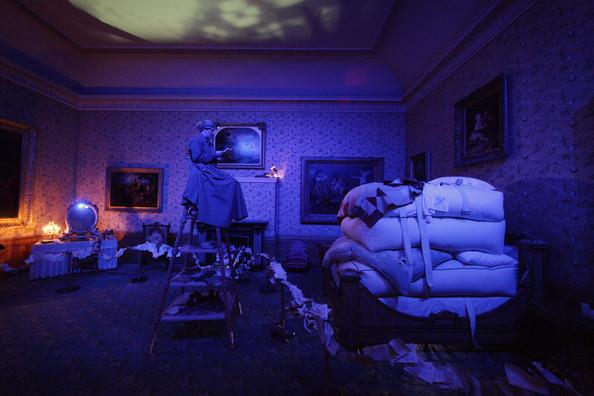 Vivienne+Westwood+Helps+Turn+Kensingnton+Palace+KDkyw-BK3nUl1